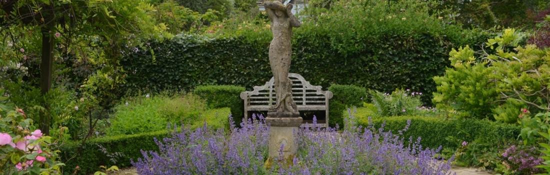 Burrow-Farm-Gardens-Visit-Devon-Holiday-South-west-Axminster-12-1100x350